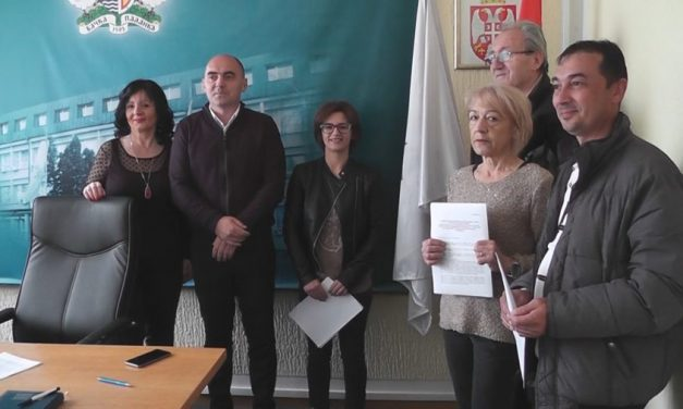 Потписани Уговори за решавање стамбеног питања интерно расељених