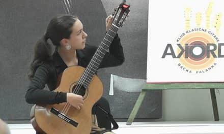 Концерт младе гитаристкиње Јелене Чапанде