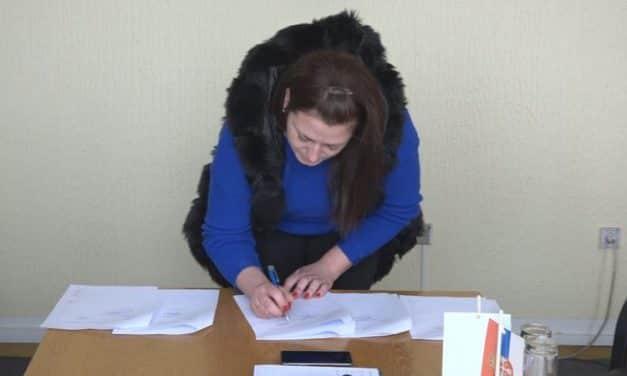 Потписан Уговор за доделу сеоске куће са окућницом једној избегличкој породици