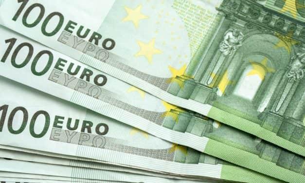 Сваком пунолетном грађанину 100 евра у динарској противвредности