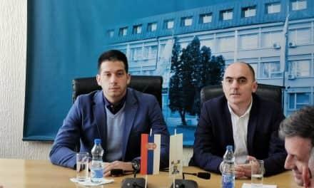 Министар омладине и спорта Вања Удовичић посетио општину Бачка Паланка