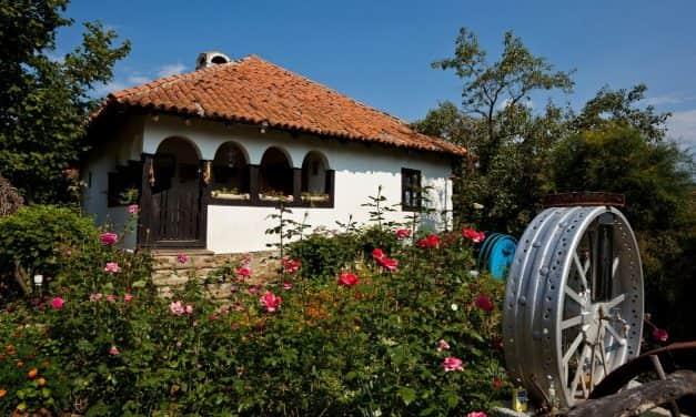 Конкурс за доделу бесповратних средстава брачним паровима на територији АП Војводине за куповину сеоских кућа са окућницом