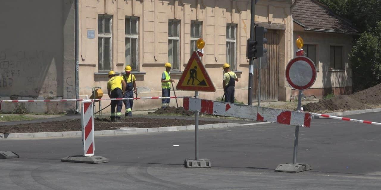 Обустава саобраћаја на раскрсници улица Шафарикове и Цара Лазара